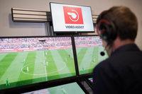 Videobeweis kommt ins Regelwerk: FIFA und Regelhüter stimmen zu
