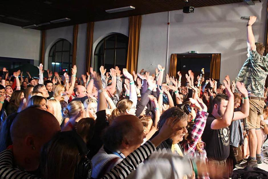 Die Dorfrocker rockten die Fahrnauer Festhalle. (Foto: Anja Bertsch)
