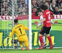 FC Bayern siegt locker in Freiburg – Trainerdebatte überlagert Spiel