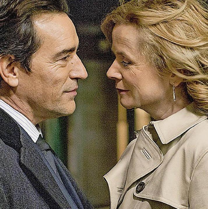 Ben und Yvonne stürzen sich in eine Affäre  | Foto: BBC/Kudos/Nick Briggs