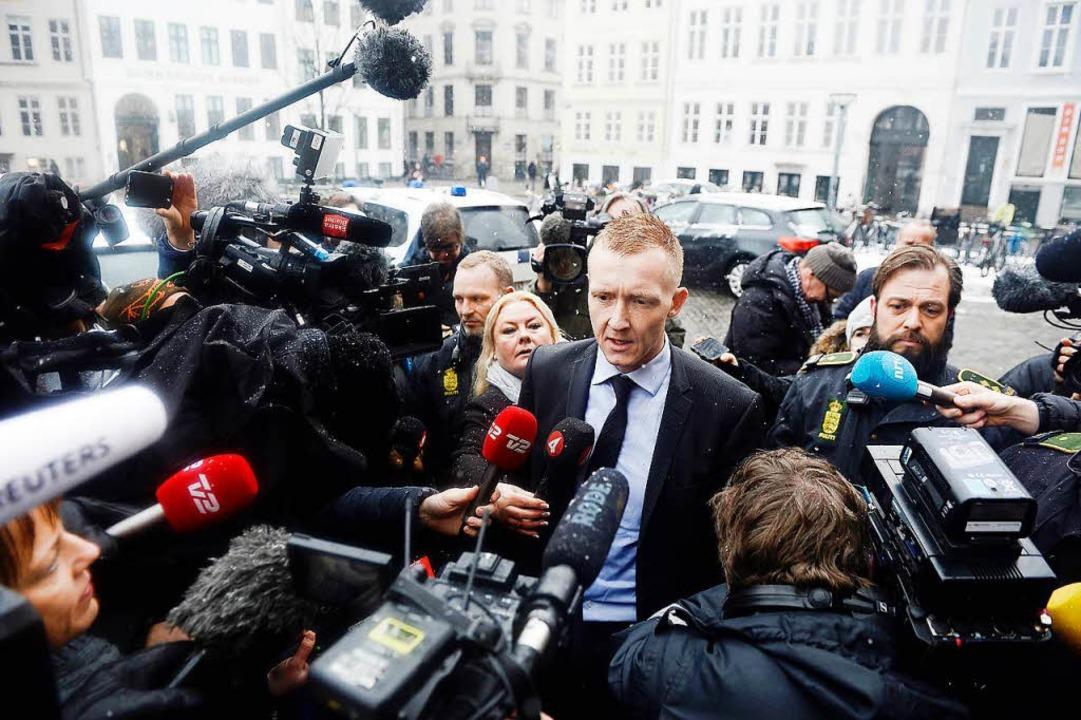 Der Staatsanwalt Jakob Buch-Jepsen kommt an dem Gerichtsgebäude an.  | Foto: dpa