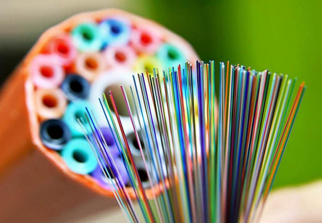 Kaputte Glasfasern sind der Grund für das Problem in Kirchzarten.    Foto: dpa