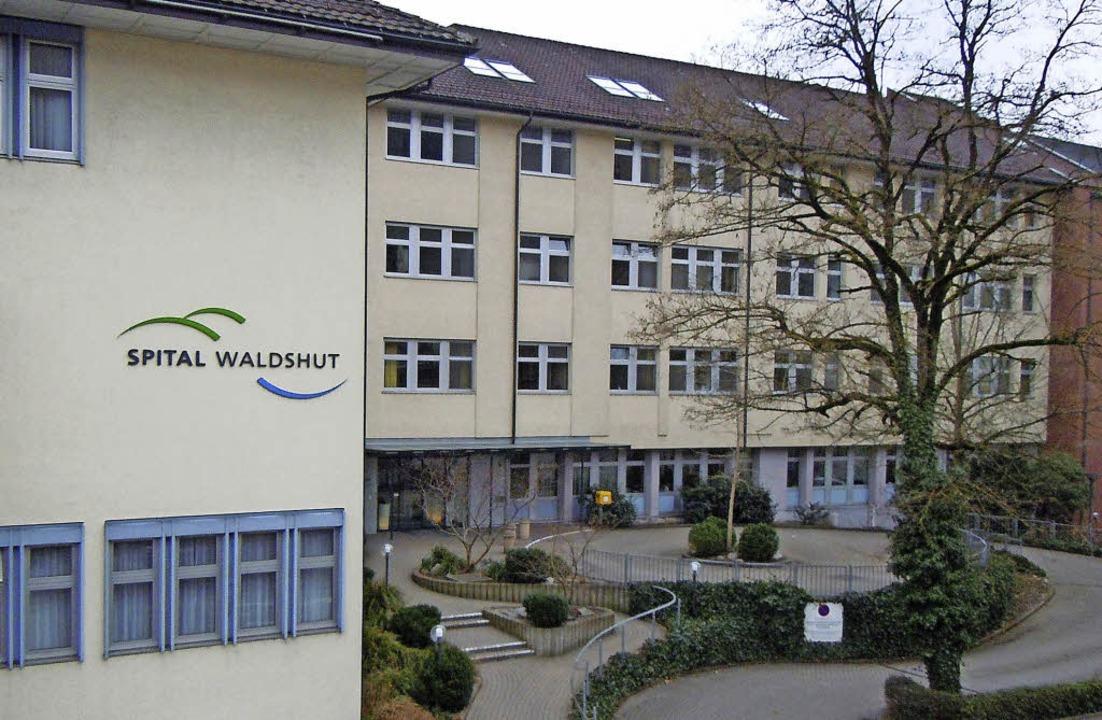 Das Spital in Waldshut will bald wieder schwarze Zahlen schreiben.    | Foto: Roland Gerard