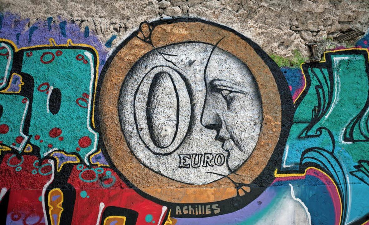 Null Euro für die Griechen, alles für ...s Graffito  entstand  2015 in Athen.    | Foto: dpa