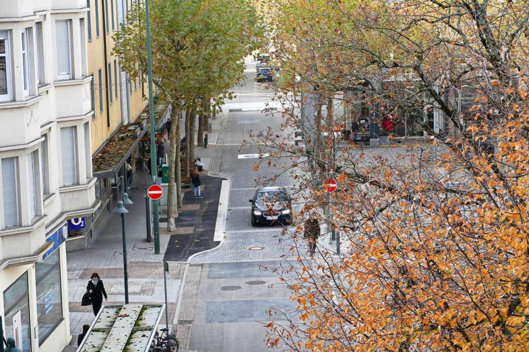 Die Grabenstraße ist Fußgängerzone. Die ersten Erfahrungen sind unterschiedlich.  | Foto: Peter Gerigk