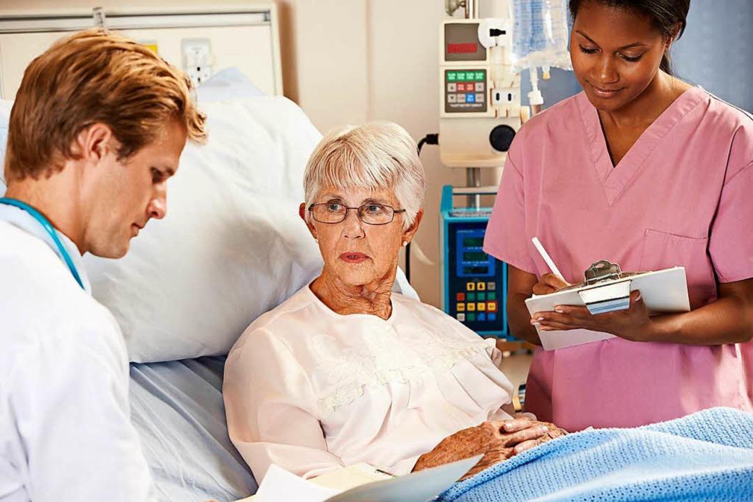 Pflegepersonal und Mediziner sollen fü...erstärkt interpersonelle Teams bilden.  | Foto: Cathy Yeulet