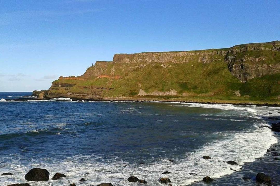 Ein Ausflug führt die BZ-Leser auch zu...formationen an der nordirischen Küste.  | Foto: Annalena Zunftmeister