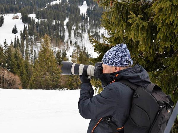 """Zwischen Sonnenuntergang und Alpensicht: Beim jüngsten """"Fotospaziergang auf dem Feldberg"""" machten sich neun Hobbyfotografen am späten Nachmittag auf den Weg zum Seebuck, darunter auch BZ-Redakteurin Kathrin Blum."""