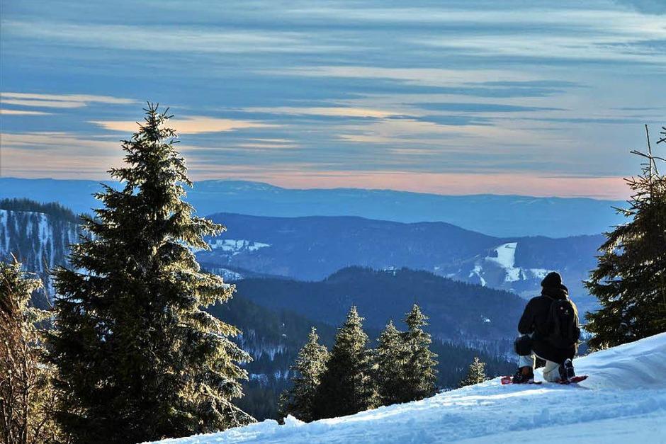 """Zwischen Sonnenuntergang und Alpensicht: Beim jüngsten """"Fotospaziergang auf dem Feldberg"""" machten sich neun Hobbyfotografen am späten Nachmittag auf den Weg zum Seebuck, darunter auch BZ-Redakteurin Kathrin Blum. (Foto: Kathrin Blum)"""