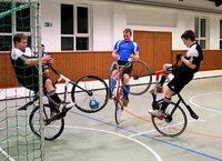Wie die Randsportart Radball einem Verein vor dem Aus neue Mitglieder bringt