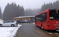 Falschparker blockieren den Belchenbus