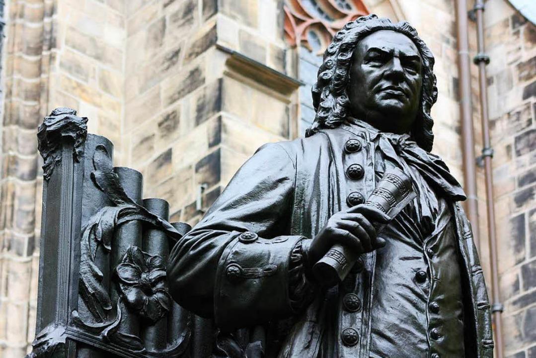 Statue Johann Sebastian Bachs vor der Thomaskirche in Leipzig  | Foto: Ellie Nator (fotolia.com)