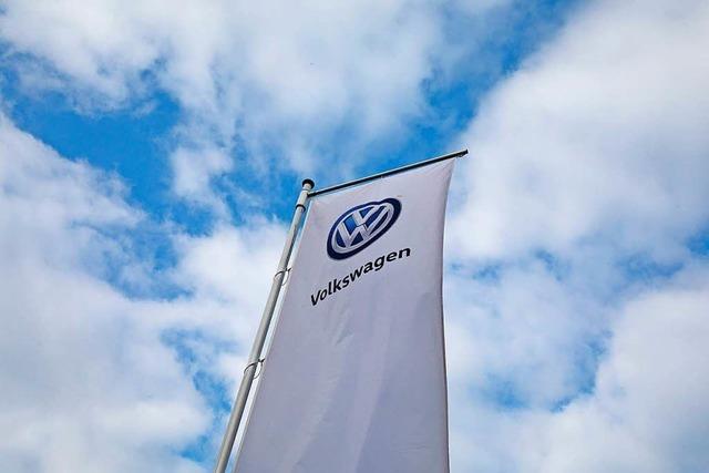 Minister Scheuer attackiert VW wegen höherer Managergehälter