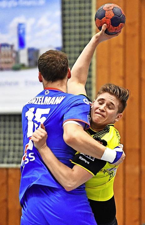 Hängen geblieben: Alexander Velz  trumpfte für die SG nur eine Halbzeit auf.   | Foto: Achim Keller