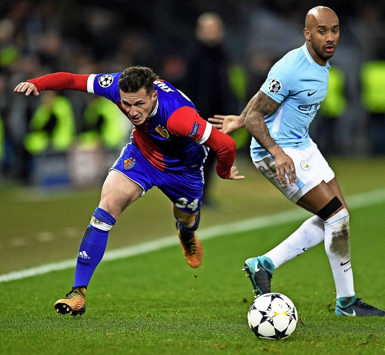 Auf die  Siegerstraße zurückgekämpft: ...en Fabian Delph  von Manchester City)   | Foto: Archivfoto: AFP