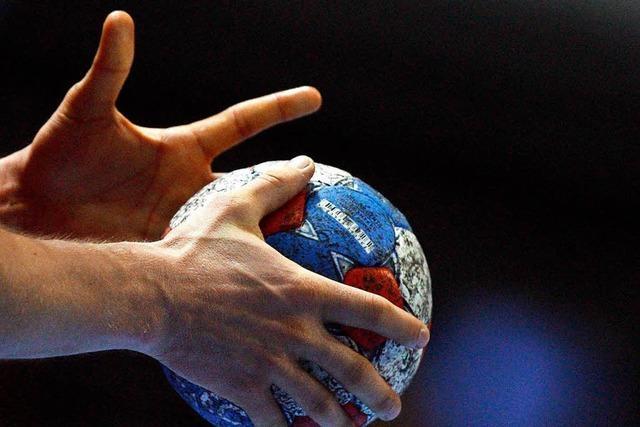 Faustschlag bei Handballspiel: Spieler hatte Zunge verschluckt