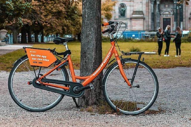 Privater Anbieter stellt 50 Leih-Fahrräder in Freiburg auf