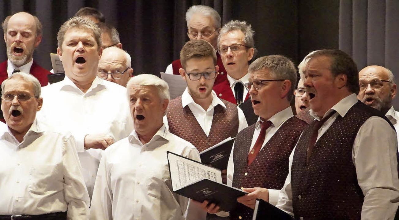 Der Weisweiler MGV sang mit Sängerkoll...nsbergen, Kippenheim und Sankt Märgen.  | Foto: Ilona Huege