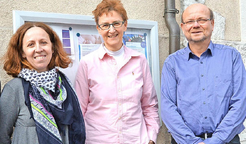 Melinda Winter (von links) Christina H...und Dienststellenleiter Jörg Breiholz   | Foto: Hirschberger