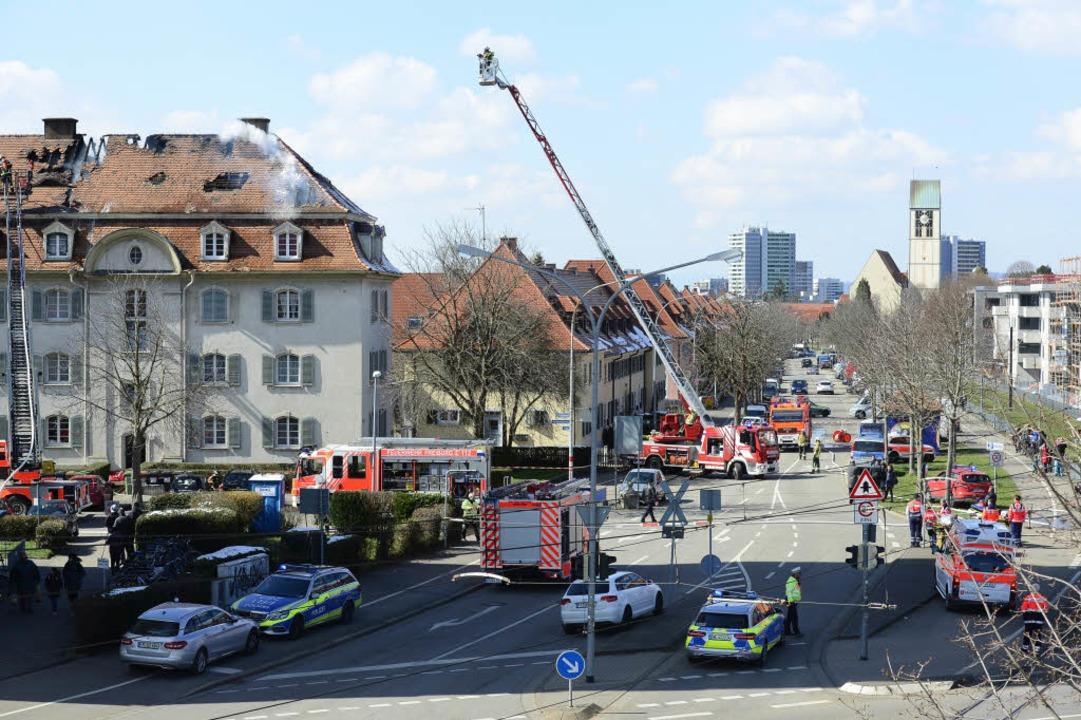 In Haslach hat ein Dachstuhl eines Hauses gebrannt.  | Foto: Ingo Schneider