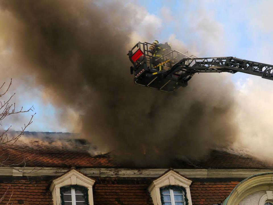 In Haslach hat ein Dachstuhl eines Hauses gebrannt.  | Foto: Oliver Huber