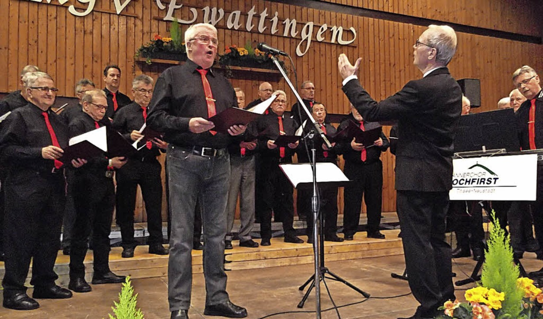 Alfred Bucherer vom Männerchor Hochfir...nd dennoch gefühlvoll gesungenen Solo.  | Foto: Gertrud Rittner