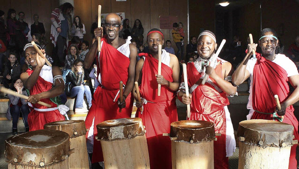 Die Trommler  aus Burundi zeigten, was Rhythmus ist.   | Foto: Gabriele Fässler