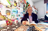 Diese Oma liest jede Woche Tausenden von Menschen Geschichten vor