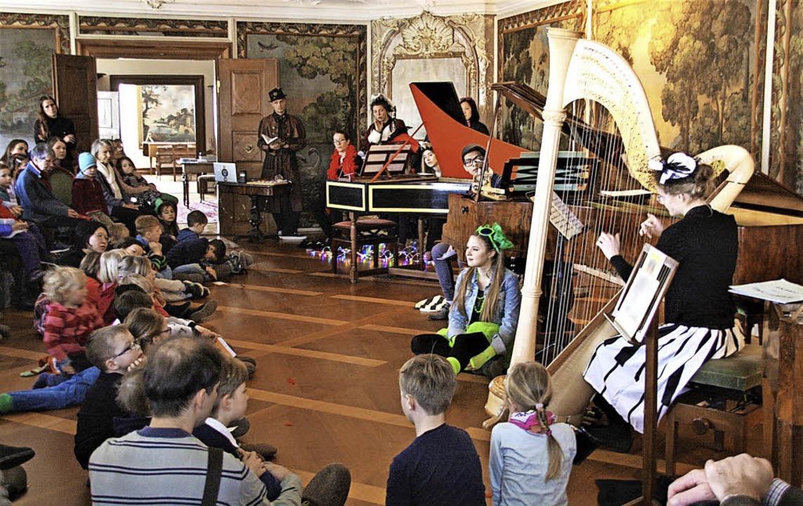 Auf Zeitreise gingen die Kinder im Schloss.    Foto: Hans Jürgen Kugler
