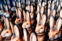 Ostern in aller Welt: Wenn Eier rollen und Hexen Süßes sammeln