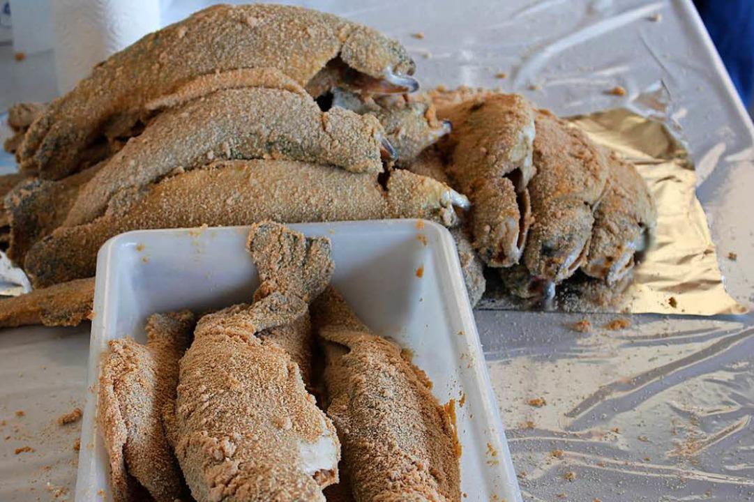 Frisch paniert liegen die Forellen bereit <ppp></ppp>    Foto: Martin Klabund