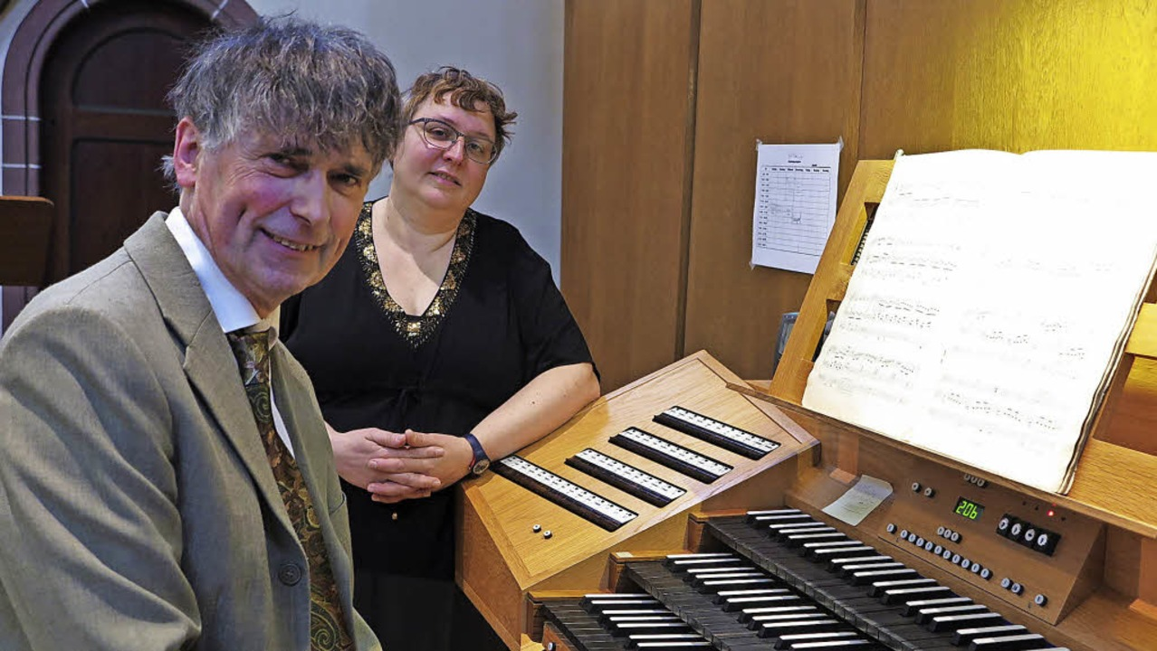 Kundige Botschafter der Musik der fran...Louis Patrick Ernst und Claire Decaux   | Foto: Philipp