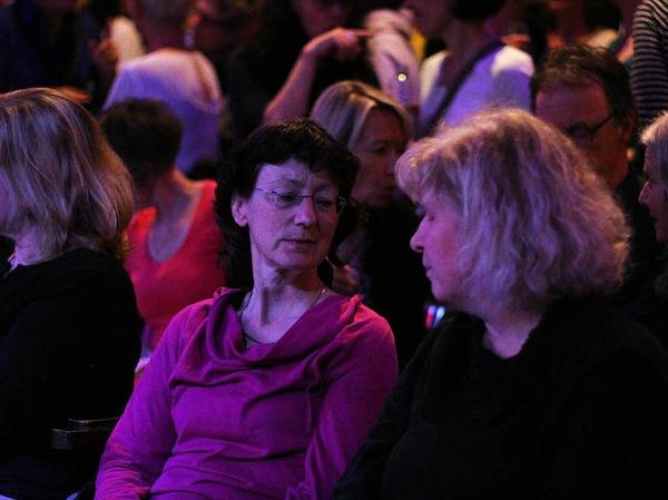 Gemeinsam mit Cécile Verny und dem Pianisten Christian Gutfleisch konnten das Publikum der Lust am Singen frönen.