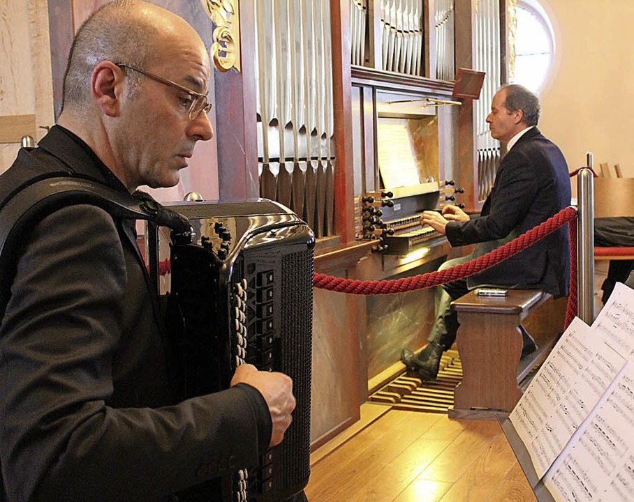Teodoro Anzellotti am Akkordeon und Johannes Götz an der Orgel  | Foto: Erich Krieger