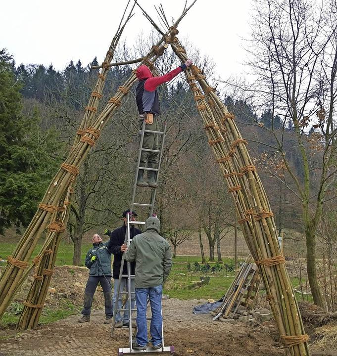 Mach mit im Mit-Mach-Garten: Ein paar ...r zum Grünen und Gedeihen zu bringen.   | Foto: BI