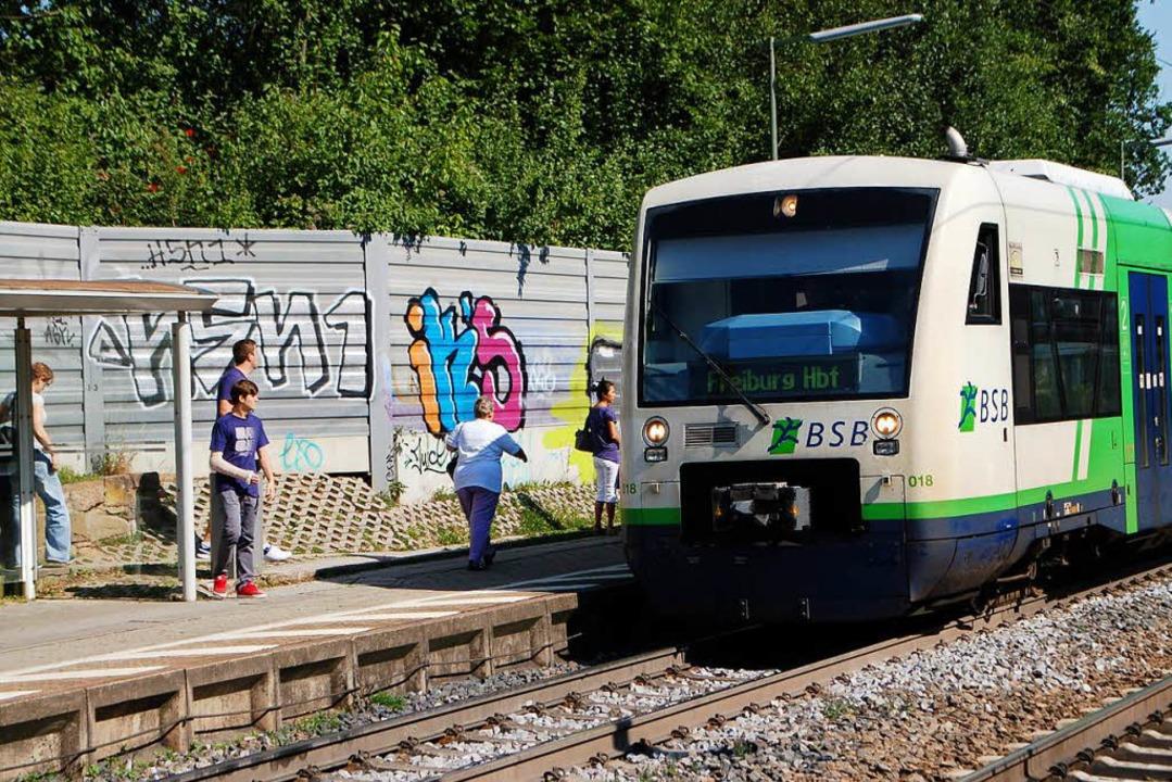 Am frühen Sonntagmorgen attackierte de...u am Gundelfinger Bahnhof (Archivbild)  | Foto: Frank Kiefer