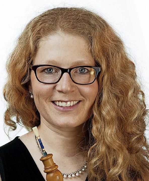 Xenia Löffler stellt erstmals eine Barockoboe in Ettenheim vor.  | Foto: Promo