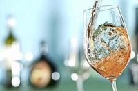 """Der Vorverkauf für die """"Wein-Fass-Bar"""" in Eichstetten beginnt"""