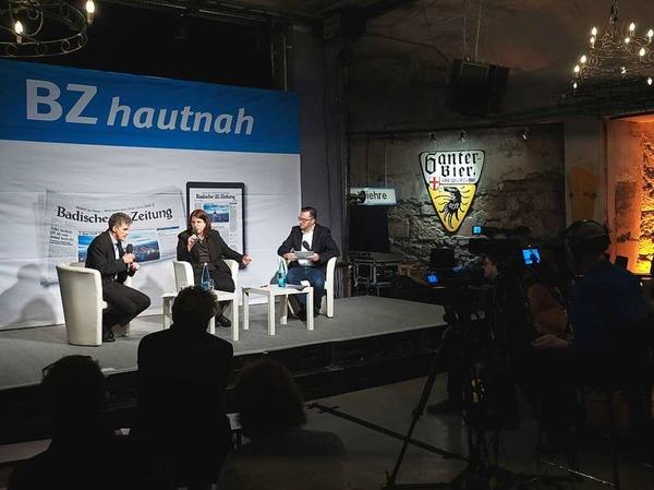 Monika Stein im Gespräch mit Uwe Mauch (links) und Holger Knöferl