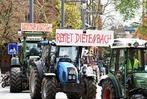 Fotos: Landwirte demonstrieren mit Traktoren in der Innenstadt gegen Dietenbach