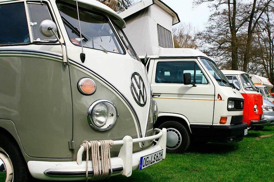 Von überall her kamen die VW-Bus-Fahrer und feierten beim 15. Schwarzwälder VW-Bus-Treffen mit. (Foto: Wolf-Wilhelm Adam)