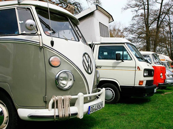 Von überall her kamen die VW-Bus-Fahrer und feierten beim 15. Schwarzwälder VW-Bus-Treffen mit.