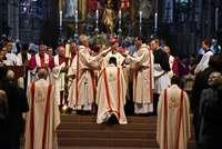 Feierliche Weihe des neuen Weihbischofs Peter Birkhofer im Münster