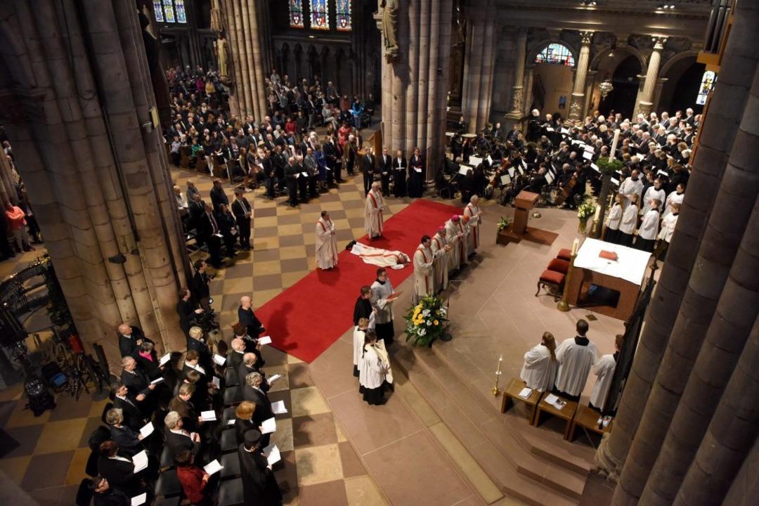 Feierliche Weihe von Peter Birkhofer z...n Weihbischof der Erzdiözese Freiburg.  | Foto: Rita Eggstein
