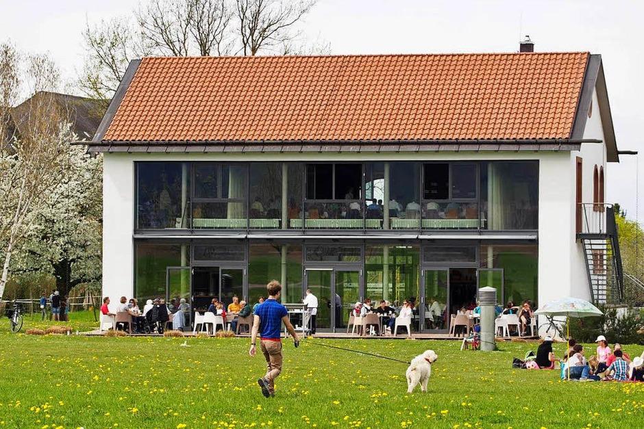 Villa artis mit dem Café artis ist ein gefragter Anziehungspunkt im Römerpark. (Foto: Markus Donner)