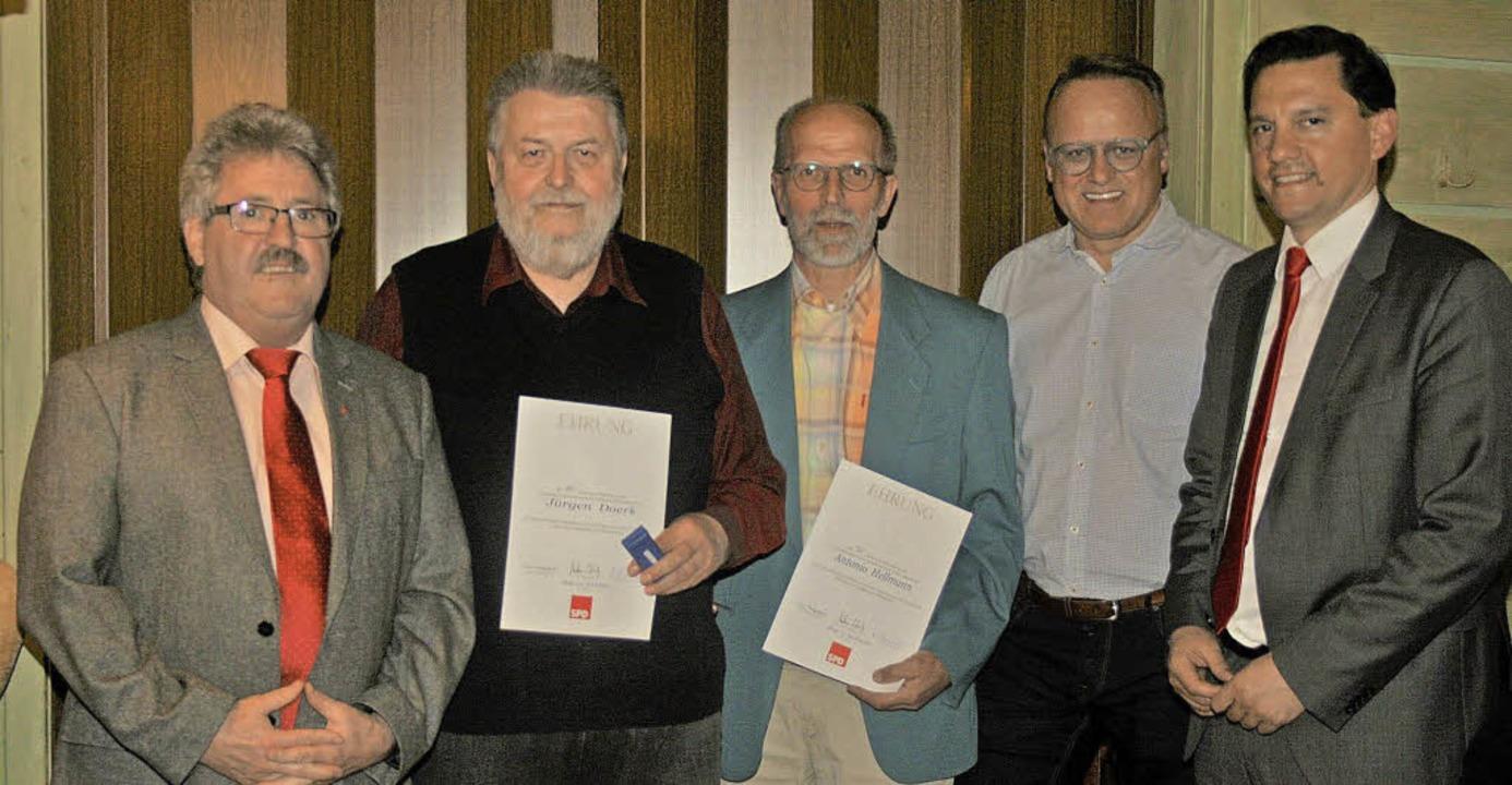 Ehrungen für zwei langjährige Mitglied...ndestagsabgeordnete  Johannes Fechner   | Foto: Privat
