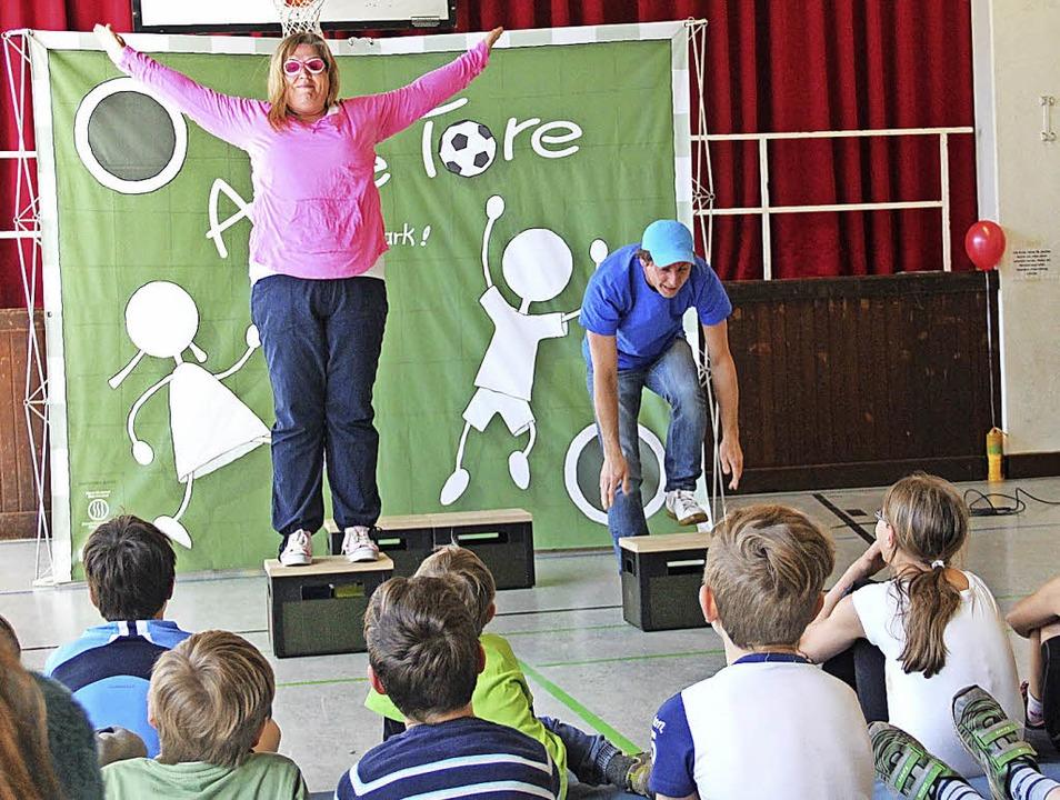 Spannend war das Präventionstheater mi...im Kinderrechte-Parcours in Langenau.   | Foto: Monika Weber