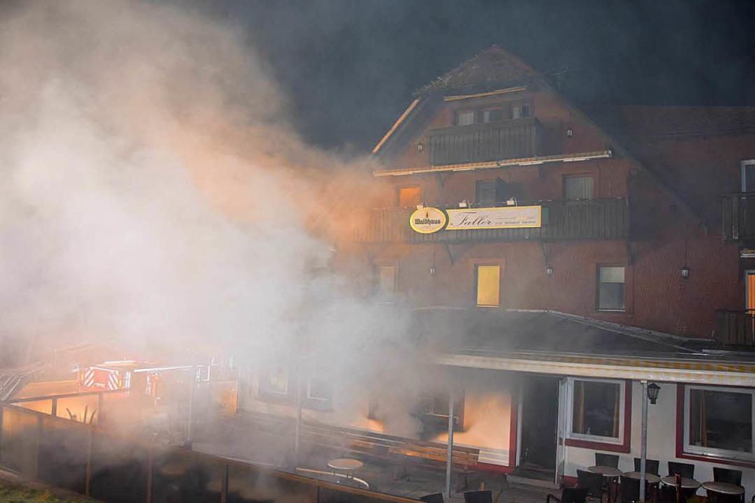 Das Hotel Faller in Breitnach-Ödenbach wurde bei einem Brand teilweise zerstört.  | Foto: kamera24
