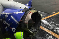 Frau fast aus Flugzeugfenster gerissen - eine Tote nach Landung
