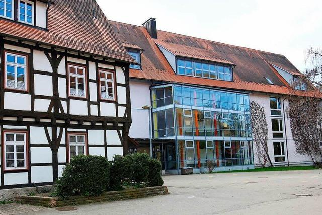 Verschobene Deutschprüfung kostet Steuerzahler 30.000 Euro